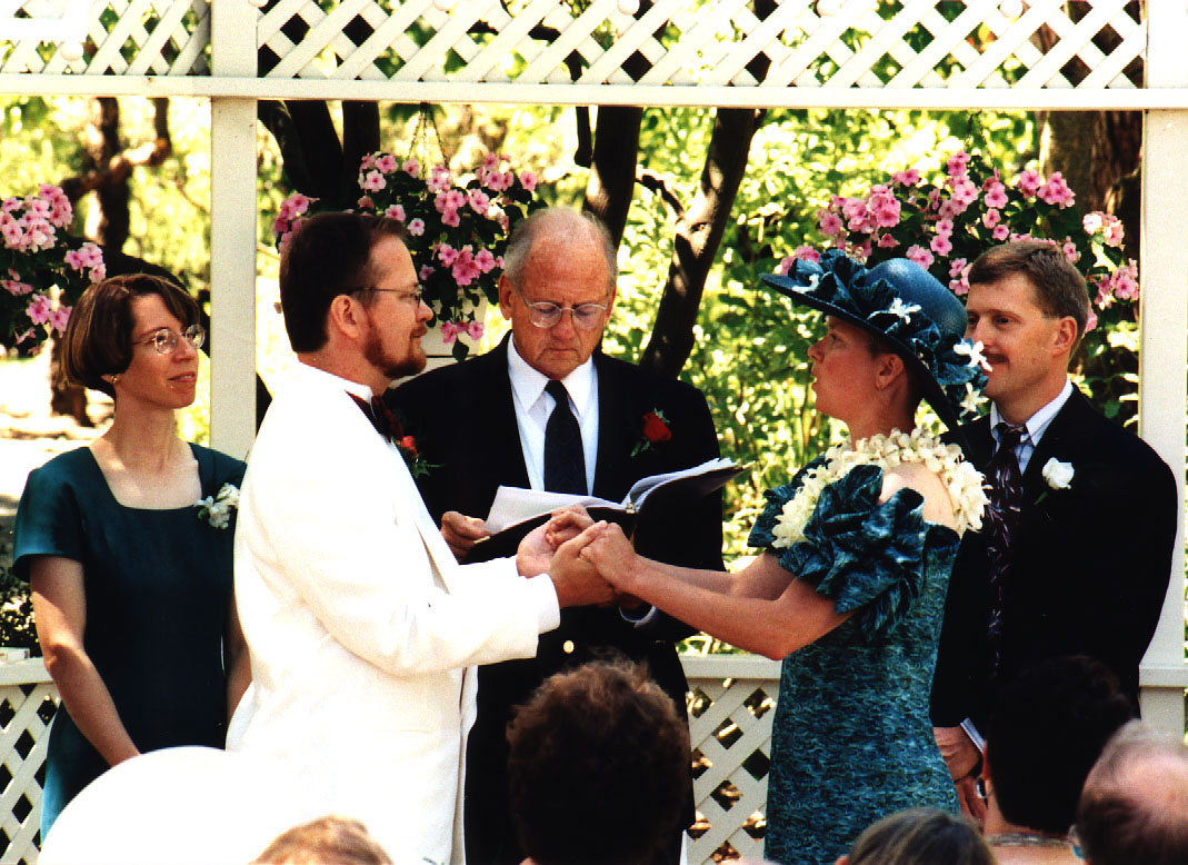 Ducky and Jim exchanging vows