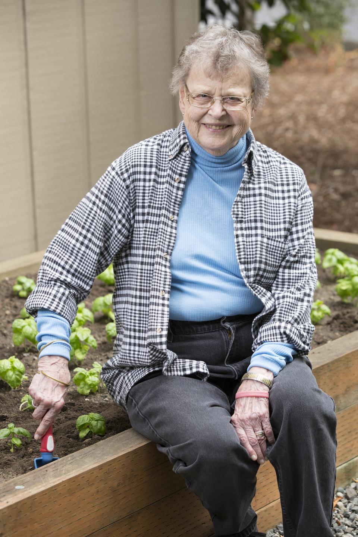 Elizabeth B. Allwyn 1927-2016